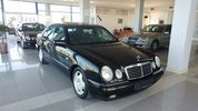 Mercedes-Benz E 200 AVANTGARDE FULL EXTRA