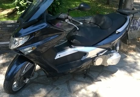 Kymco Xciting 500i  '06 - 1.700 EUR