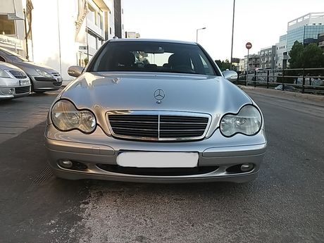 Mercedes-Benz C 200 KOMPRESSOR '02 - 5.900 EUR