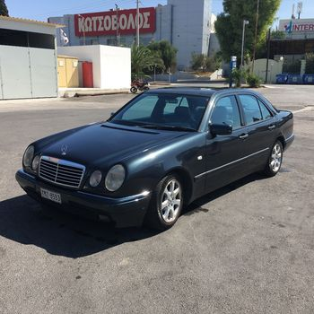 Mercedes-Benz E 200 AVANTGARDE '98 - 3.000 EUR