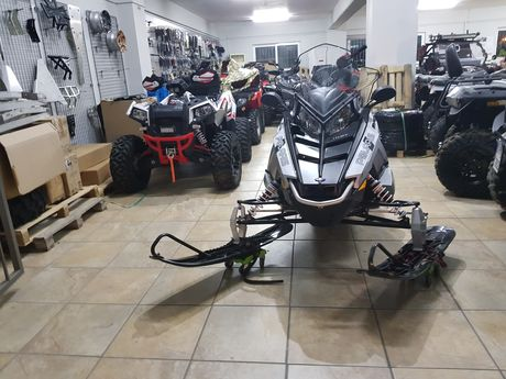 Polaris  Indy 550 LXT '17 - 10.499 EUR