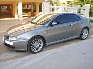 Alfa Romeo GT DISTINCTIVE