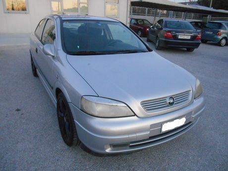 Opel Astra  '00 - 2.850 EUR