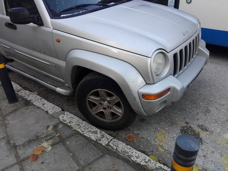 Jeep Cherokee 3.7 LIMITED EDITION AUTO '03 - 3.000 EUR (Συζητήσιμη)
