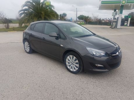 Opel Astra  '15 - 12.400 EUR