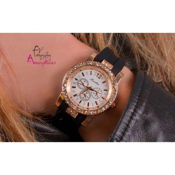 Πωλείται Μαύρο γυναικείο ρολόι με λουράκι σιλικόνης και διακοσμητικά  κρυσταλλάκια by Amaryllidas Art collection - Luobos 22430 - € 9 2535b952295