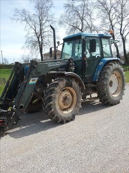 New Holland  8240 POWERSTAR SLE '96 - 20.500 EUR (Συζητήσιμη)