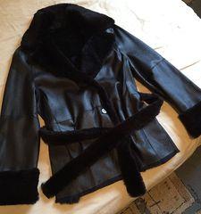cbc006afdbd7 Δερμάτινο σακάκι με φυσική γούνινη επένδυση