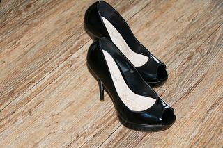 06782c624b1 Γυναίκεια υποδήματα Νο 37 σχεδόν καινούργια!!! παπούτσια - γόβες - σανδάλια  - μπότες Γυναίκεια υποδήματα Νο 37 σχεδόν καινούργια!!! παπούτσια - γόβες  ...