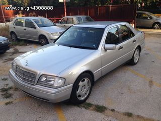 Mercedes-Benz C 240 2.8 V6 194 hp W202