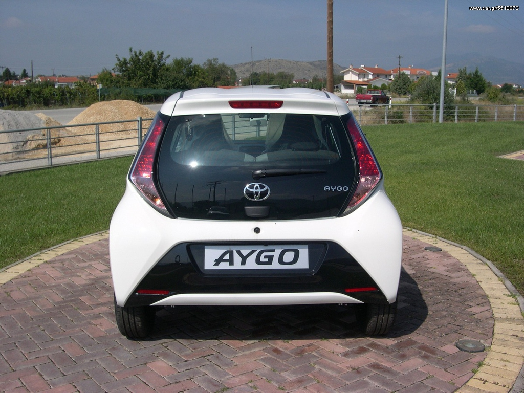 toyota aygo x play touch euro6 39 2018 11360 0 eur. Black Bedroom Furniture Sets. Home Design Ideas