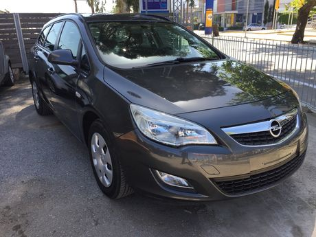 Opel Astra 1.4SW EDITION '11 - 8.900 EUR